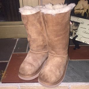 UGG Chestnut Brown Boots Size 1 S/N#1007309